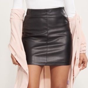 Brand new faux leather skirt - Size S